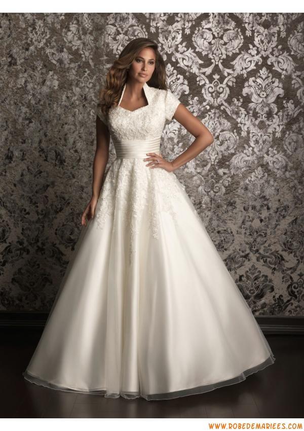 Robe de mariée avec manches courtes satin organza perlé  Robe de ...