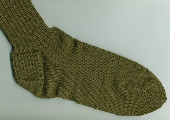 Knit Socks Pick Up Stitches Gusset : The 17 best images about Machine Knitting on Pinterest Garter, Color change...