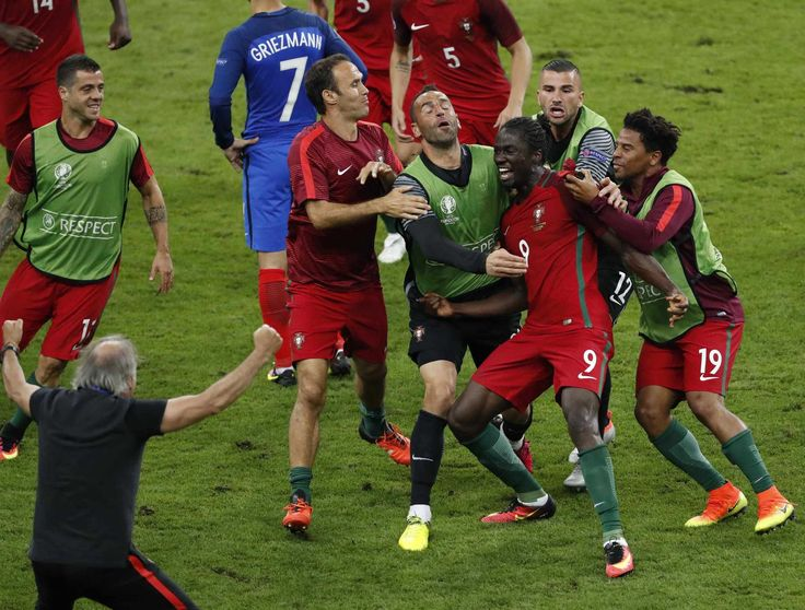 O golaço e a enorme festa de Éder. Portugal National TeamCristiano RonaldoReal  MadridEuroSoccerCalmPortugal National Football TeamDaily JournalSport