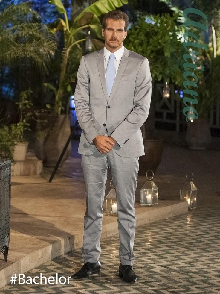 E08- Cérémonie de la Rose  #costume #chemise #cravate #chaussures