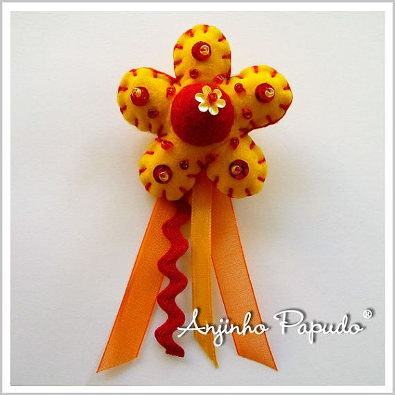 Yellow and Orange Flower brooch by anjinhopapudoshop on Etsy.