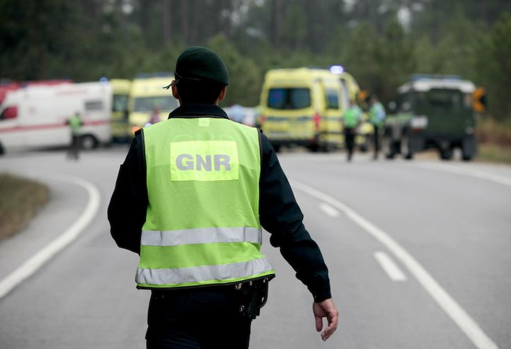 #GNR procura adolescente de 13 anos desaparecida em Ponte de Lima - ZAP: ZAP GNR procura adolescente de 13 anos desaparecida em Ponte de…