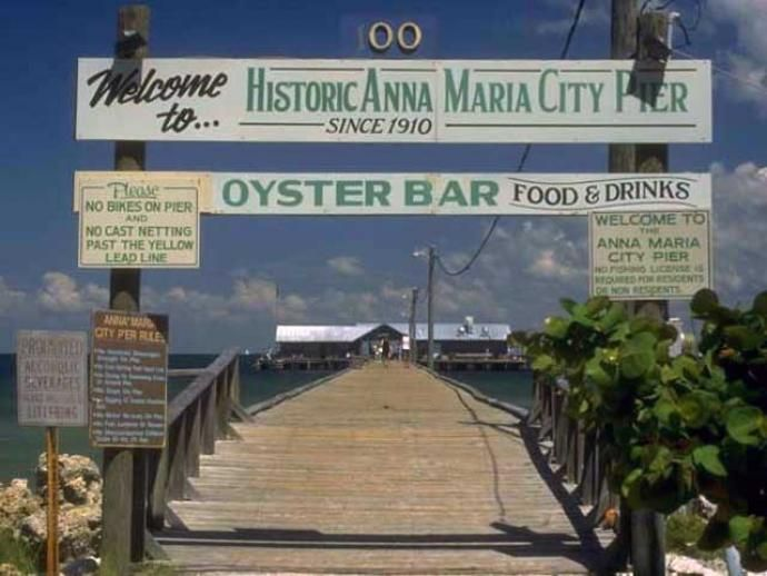 City pier restaurant old entrance facebook anna maria for Anna maria island fishing pier