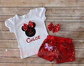 Traje de Minnie Mouse cumpleaños ~ Minnie lentejuelas pantalones cortos traje ~ incluye Top, Shorts de lentejuelas y pelo ~ personalizar en cualquier color!