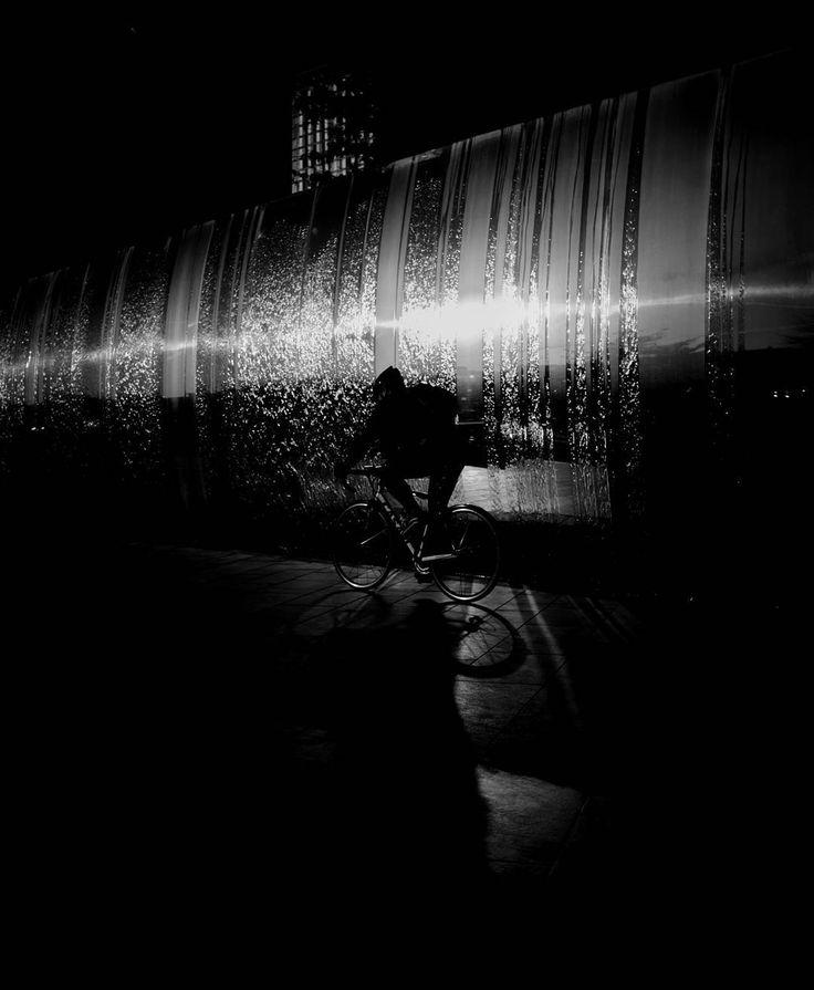 Reflections from the silver wall.  #blackandwhite #silhouette #blackwhite #blacknwhite #mono #monochrome #monochromatic #noir #greyscale #blancoynegro #noiretblanc #silhouette #svartvitt #potd #project365 #sheffield #cyclist #cycling #lowkey #Fujifilm #x100t