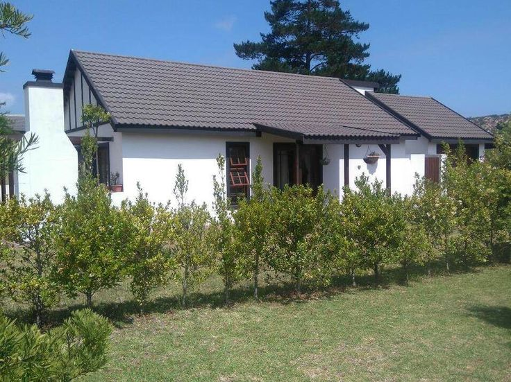 Explore this property 2 Bedroom House in Sedgefield