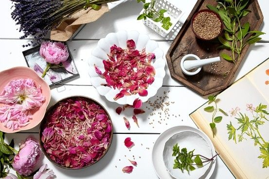 How to make potpourri from freshly dried flowers