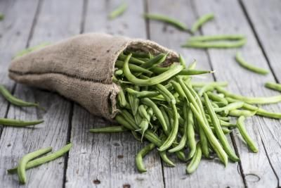 Green beans are healthy, providing nutrients essential to your body's needs. A simple and convenient way to cook green beans is in a Crock Pot. According to The University of Maine, green beans are high in vitamins A and C and can account for nearly 17 percent of a woman's daily vitamin A requirement and 27 percent of the required vitamin C. If you...