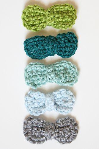 #crochet cute bows free pattern