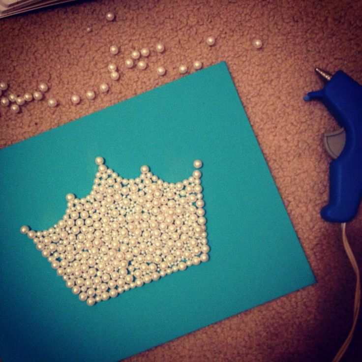 Pearl Canvas Art #zta #crown with a S in the middle  for sienna's room
