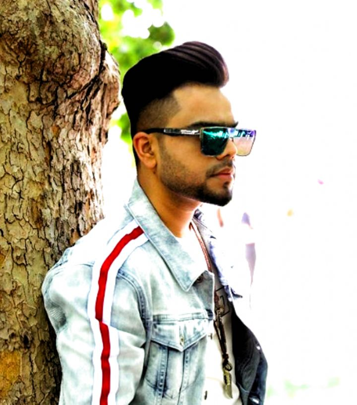 Here Is The Hairstyele For Mens And Boys Akhil Hairstyles Punjabi Singer Khaab Songs Singer Try Mens Hairstyles Boy Hairstyles Hair Styles