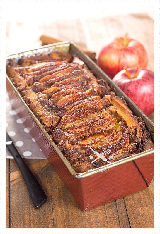 Cake aux pommes Dès qu'il est sorti, j'ai craqué! Sur le nouveau livre très sympa d'Hervé Cuisine. Un livre très sympa de pâtisserie, aux recettes faciles et très tendances. Tout de suite j'ai choisi ce cake car j'avais quelques pommes en reste dans mon...