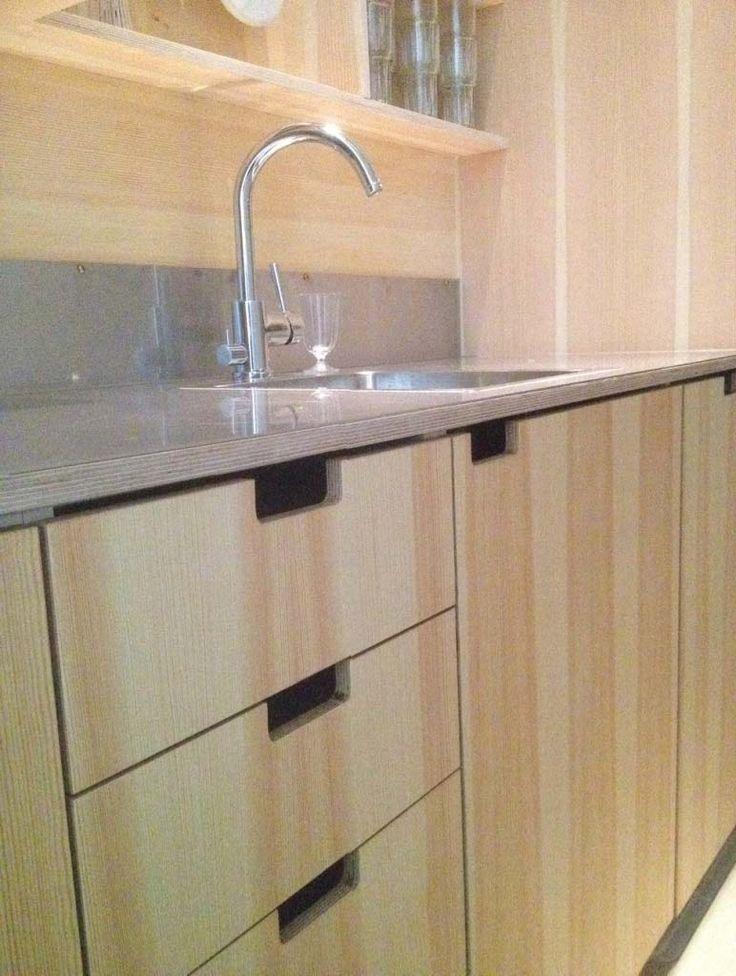 platsbyggd kök furu plywood moderskeppet stockholm