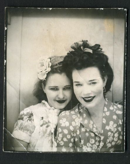 1940s photo booth loveliness. #vintage #1940s Wish I could have seen these days!