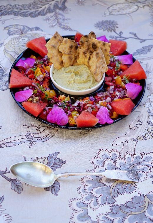 lumo lifestyle: Ottolenghin granaattiomena-tomaattisalaattia * Ottolenghi's pomegranate tomato salad