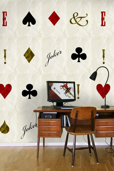 A stylish and playful wallpaper with fascinating patterns and softly coloured surface. Perfect for a pretty lifestyle. Pokerface Joker at www.gingerdesignstudio.se