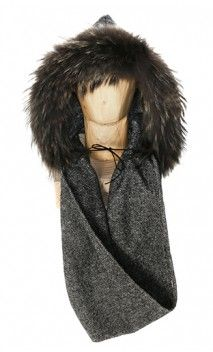 #hooded #scarf by @cache.toi #barcelona