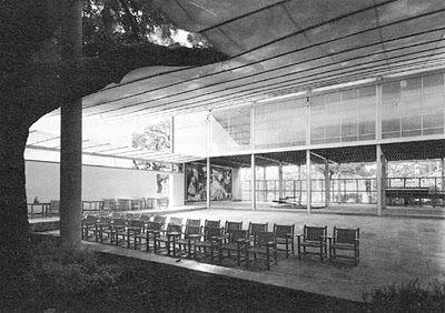 Interior, patio, Pabellón Español en la Exposición Internacional de París, 1937. Lacasa y Sert.
