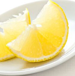 Homemade Lemon Air Freshener (Spray)