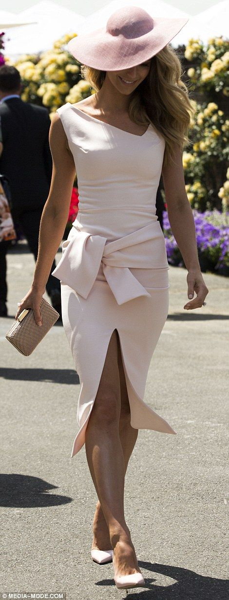 Lady like for Ladies Day! Jennifer Hawkins stunned in a fitted pale pink frock at Melbounre's Flemington Racecourse for Oaks Day