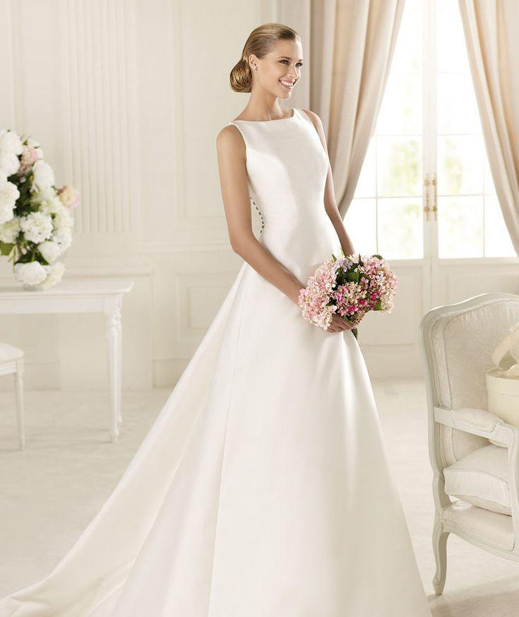 Pronovias vous présente la robe de mariée Galardon, Manuel Mota 2013. | Pronovias