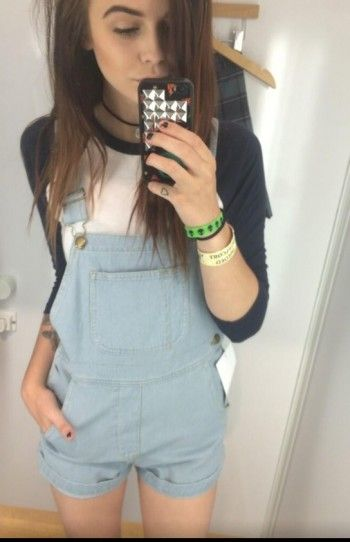 Acacia Brinley wore an American Apparel tee and overalls. Shop it: http://www.pradux.com/acacia-brinley/photo/3077