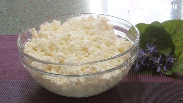 Домашний творог. молоко – 3 литра  кефир или простокваша – 300 грамм  (550-600 грамм творога из данного количества ингредиентов)