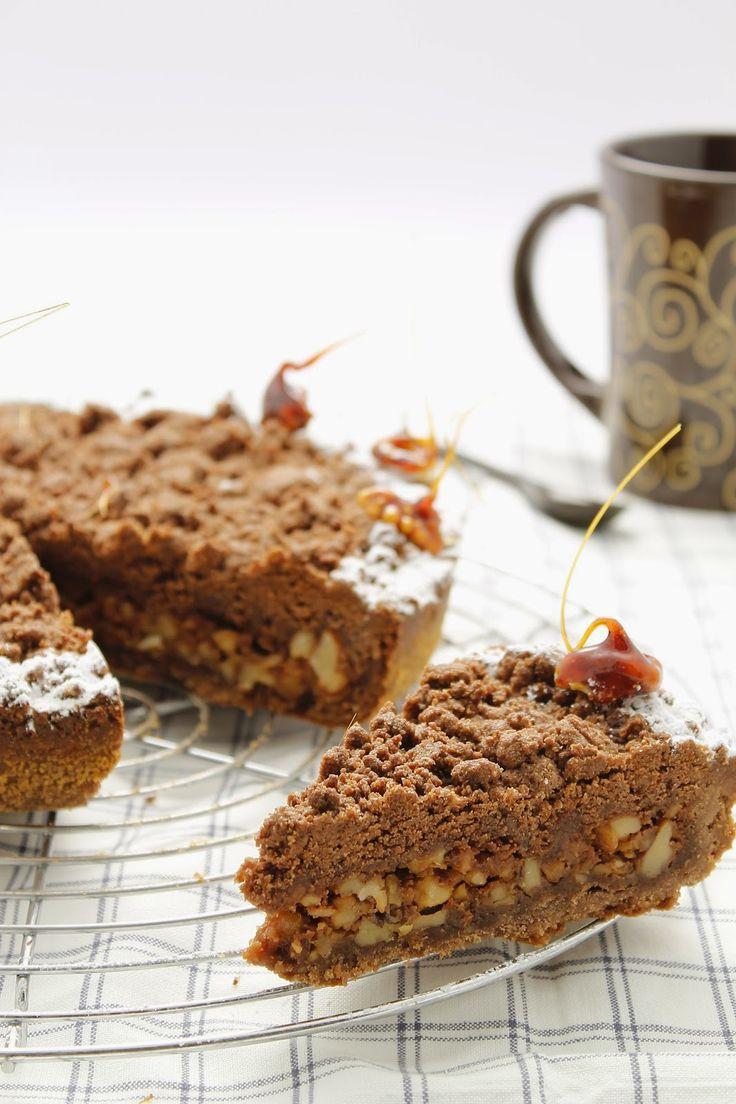Crostata al Cacao di Enst Knam con Ripieno di Noci, Panna e Caramello