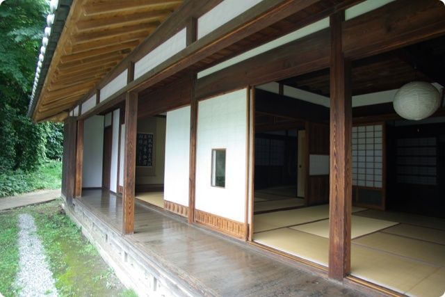Another lovely example of an Engawa.  The tatami rooms have shoji/paper sliding doors.  The exterior has sliding wood doors that are currently open so you can't see them.