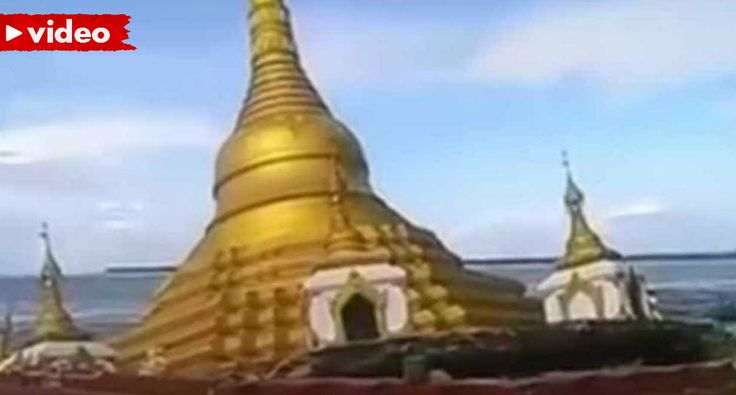 Templo Budista Afunda-se Em Myanmar