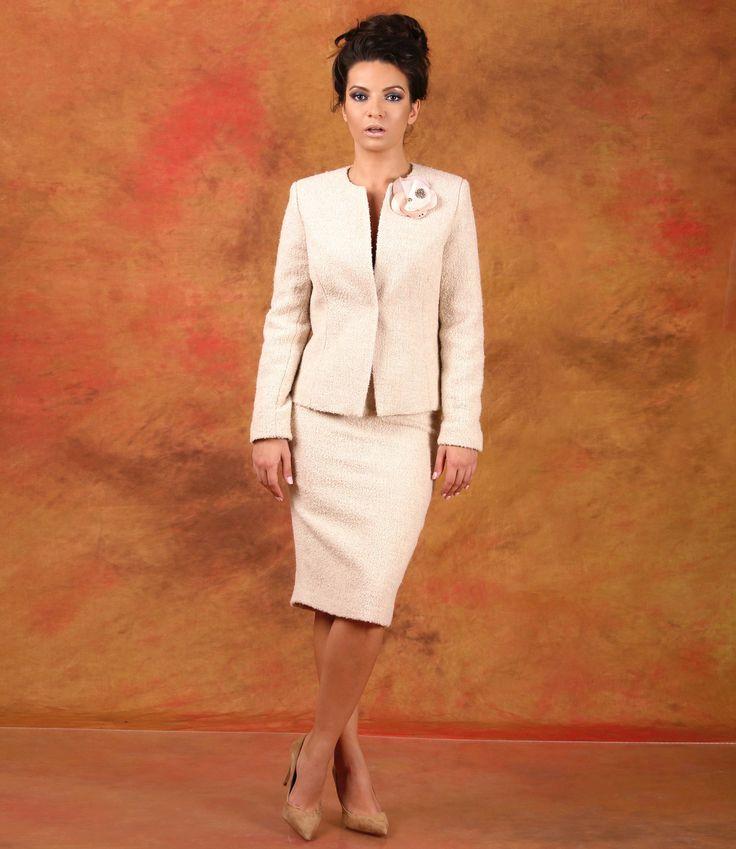 True ellegance, simple lines #fall17 #wool #skirt #jacket #fashion #beauty #women #yokko #madeinlove