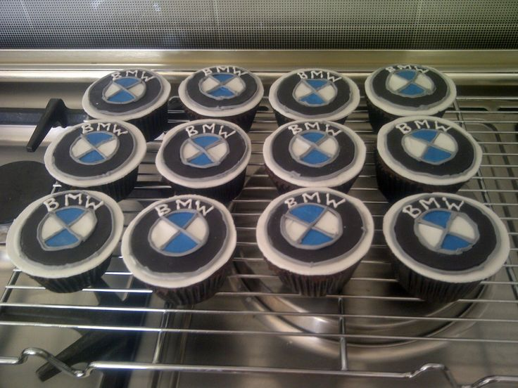 BMW Emblem chocolate cupcakes