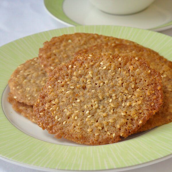 Sesame Wafer Cookies - crispy, sweet, buttery and full of nutty sesame ...