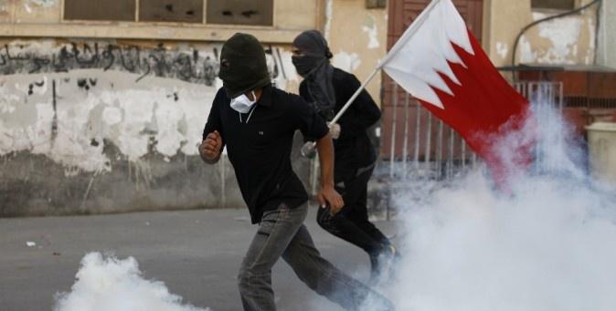Bahrein, due anni dopo.   Ancora sangue negli scontri tra polizia e manifestanti in Bahrain, in occasione del secondo anniversario della Primavera araba. (Reuters/Hamad I Mohammed)