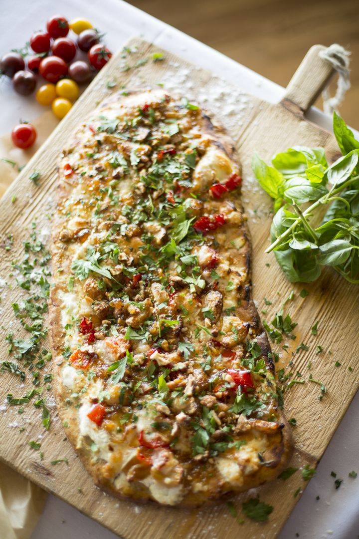 Tomato, Roasted Garlic + Herb Flat Bread Pizza