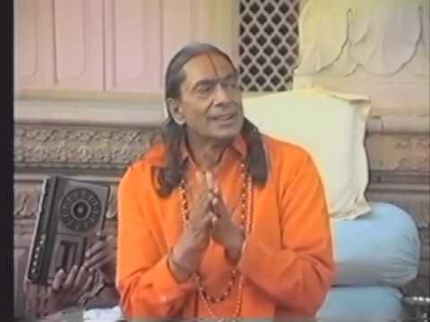 jagadguru kripaluji maharaj bhajo giridhar gopala #kripalu #bhajo #giridhar #gopala