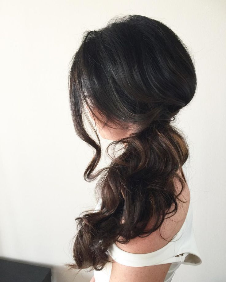 Loose curls and a side pony. Perfect for hot days. Hair by @ladylyngool #toronto#torontohair#torontohairsalon#torontohairstylist#torontovendor#torontovedors#mississauga#mississaugahairmississaugahairsalonmississaugahairstylist#etobicokehairstylist#wedluxe#weddingstyle#weddinghairstyle#weddinghair#torontowedding#weddinginspiration#editorial#hudabeauty#instagramhair#hairbyladylyn#ladylynteam#fashion#bride#updo#hairstyles#easyhair#behindthechair#weddingplanning