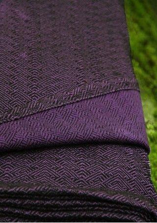 Solki Aronia 65% merino wool 35% organic cotton. #vanamo #vanamowrap #vanamosolki #woolwrap