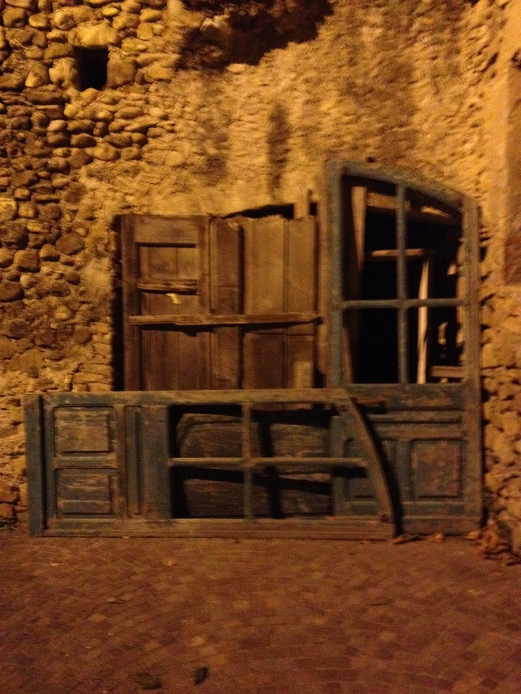 Borgo di Villanova d'Albenga .....another door .