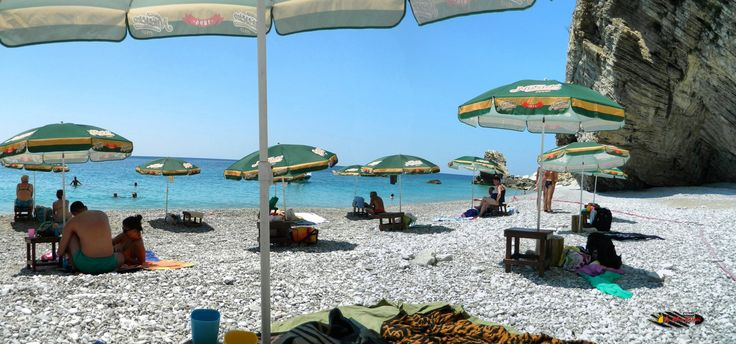"Fish picnic next to Canj "" Little Zakynthos "", Montenegro, Nikon Coolpix L310, 4.5mm,1/160s,ISO80,f/8.7,+1.0ev,panorama mode:segment 2, HDR photography, 201607071238"