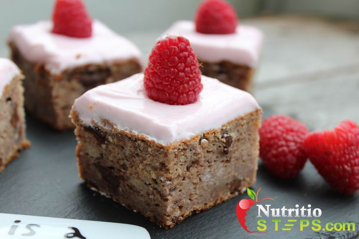 RASPBERRY BANANA CAKE WITH NATURAL PINK CREAM CHEESE SKYR FROSTING