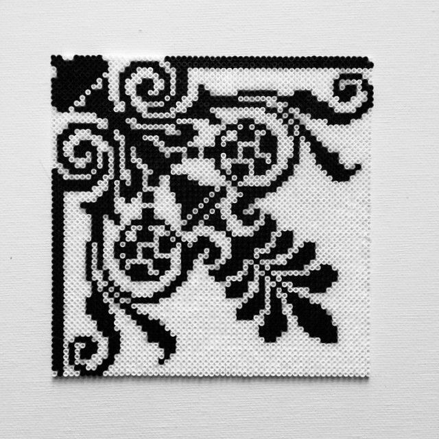 Inspired vintage tile hama mini beads by alsterbead