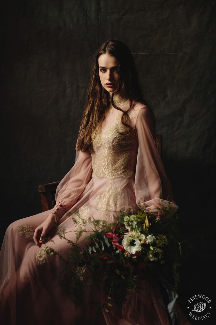Floral Dream / Pinewood Weddings / Nora Sarman / Dress Bach