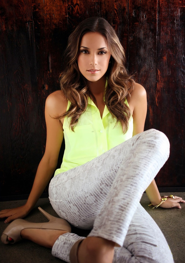 Jana Kramer. Love the neon top with those pants, especially the shoes!