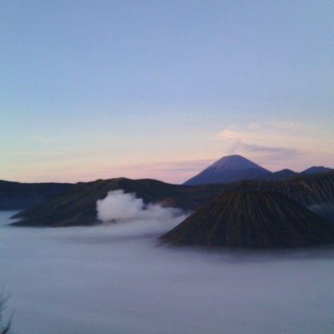 kabut feat sunrise #bromo mountain