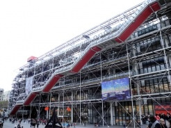 Le Centre Georges Pompidou-didn't get to see it :(, so, many wonderful sites, need @ least a month or more, to see them, all, though, unfortunately!
