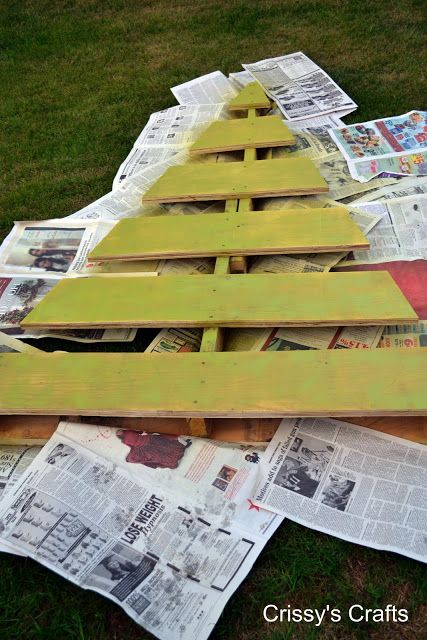 Pallet Christmas Tree for the Yard or Porch