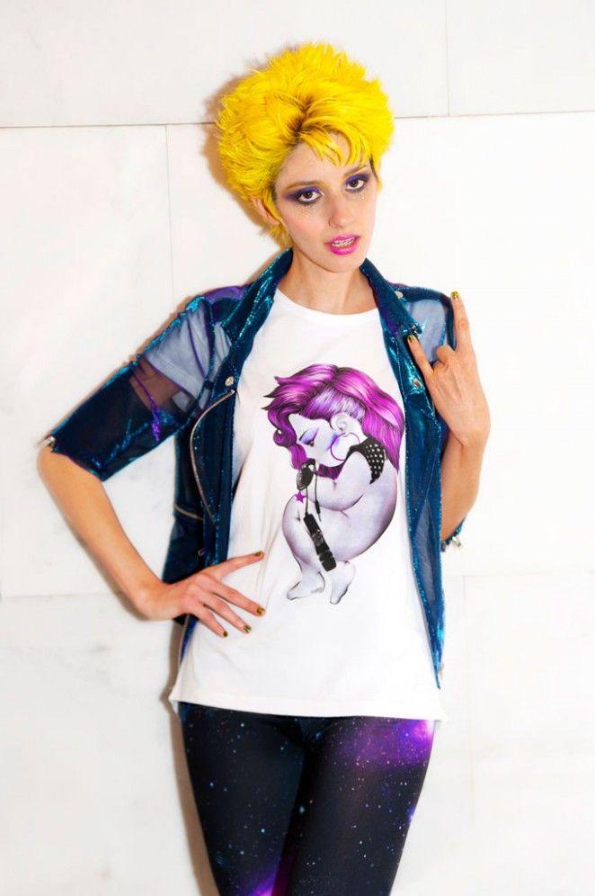 Dai capelli al glitter..la nostra blogger A Strange Beauty by @astrangebeauty  ci racconta il suo outfit #siamoises! http://bit.ly/astrangebeauty #moda #tshirt