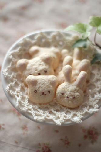 SO cute! Kawaii cookies. Like this idea for a birthday.