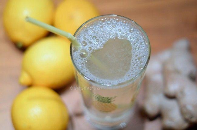 Detox, warm water met citroen